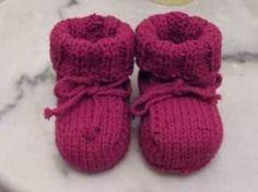 Easy Baby Booties Knitting - YouTube