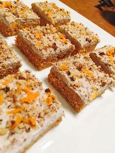Raw Vegan Moist Carrot Cake with Cashew, Walnut & Orange Frosting Recipe Vegan Sweets, Vegan Desserts, Raw Food Recipes, Cookie Recipes, Dessert Recipes, Moist Carrot Cakes, Vegan Carrot Cakes, Savory Snacks, Healthy Treats