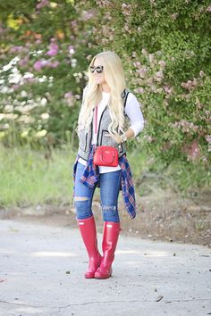 Red Hunter Boots, Red Rain Boots, Hunter Boots Outfit, Wellies Rain Boots, Fur Boots, Cowgirl Boots, Western Boots, Riding Boots, Fashionable Snow Boots