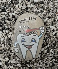 Stone Drawing, First Finger, Kids Party Games, Stone Painting, Rock Painting, Painted Rocks, Stones, Happy, Diy