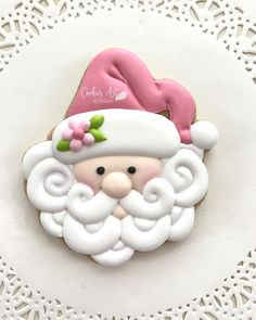 Cupcakes pink fondant frosting recipes 15 ideas for 2019 Santa Cookies, Christmas Sugar Cookies, Iced Cookies, Christmas Cupcakes, Cute Cookies, Royal Icing Cookies, Holiday Cookies, Christmas Desserts, Cupcake Cookies
