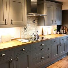 Kitchen Pantry Design, Rustic Kitchen Design, Home Decor Kitchen, Country Kitchen, Kitchen Interior, New Kitchen, Kitchen Dining, Kitchen Cabinets, Home Interior