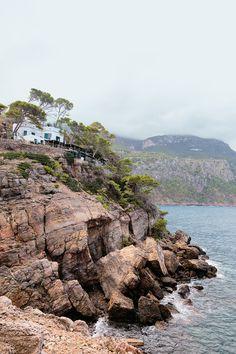 {Mallorca Retreats} that is what I call a restaurant with a view. Sa Foradada.