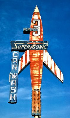 Old Chicago highway neon Super Sonic Car Wash, Billings, Montana, 1980 Old Neon Signs, Vintage Neon Signs, Old Signs, Cyberpunk 2077, Fosse Commune, Roadside Signs, Roadside Attractions, Retro Signage, Look Vintage