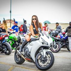 THE BEST THINGS INLIFE ARE DANGEROUS... WOMEN AND BIKES