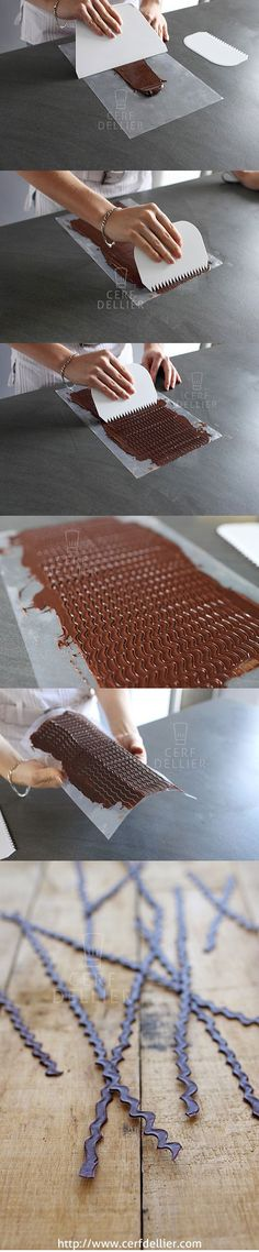 Use spiral bound notebook on melted chocolate Chocolate Work, Modeling Chocolate, Chocolate Lovers, Chocolate Cake, Chocolate Sticks, Melted Chocolate, Cake Decorating Techniques, Cake Decorating Tutorials, Cookie Decorating