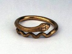 """"""" Ancient Roman gold bracelet in the form of a coiled snake century AD, Pompeii (The British Museum) """" Bracelet Serpent, Snake Bracelet, Snake Jewelry, Snake Ring, Ancient Romans, Ancient Art, Ancient Jewelry, Antique Jewelry, Gold Armband"""