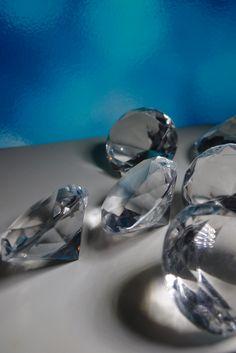 "Acrylic 1.5""  Diamonds (16 Diamonds)  Table Scatter"