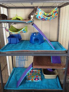 I love the fleece setup in this cage. My chinchillas always pull up their fleece, so having it wrapped around all the elements of the cage like this would be perfect.
