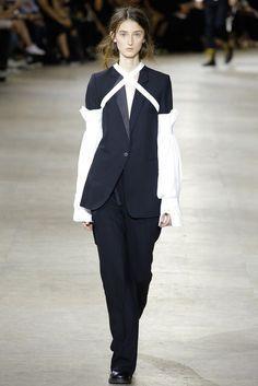 Ann Demeulemeester   Spring 2017 Menswear Collection   Vogue Runway
