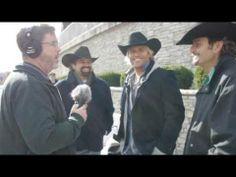 Texas Tenors at 2013 Branson Christmas Parade - YouTube
