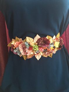 Cinturón de flores Colormix Wedding Belts, Sash Belts, Printed Bags, Belts For Women, Belted Dress, Wedding Accessories, Hand Embroidery, Artisan, Fancy