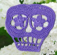 FREE PATTERN Ravelry: Vera Crochet Day of the Dead Skull Pattern pattern by Spider Mambo ♥ Free pdf