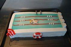 gateau anniversaire piscine de natation nageur en pâte à sucre cake design