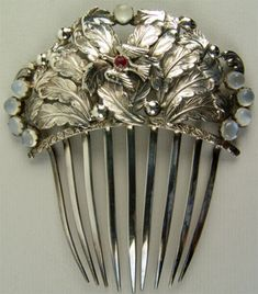 Silver comb with bird and moonstones