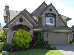stone & stucco trim color, like the stone Home Design Decor, House Design, Home Decor, Vinyl Shake Siding, Dark Trim, Exterior House Colors, Curb Appeal, House Plans, Shed