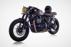 David Beckham est friand de deux-roues. Elle le prouve en faisant entrer dans son garage une Triumph Bonneville, customisée par British Customs.