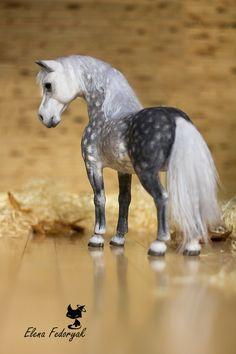 Stunning needle felted horse by Ukraine felting artist Elena Fedoryak
