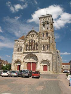 West Front The Basilique Sainte-Marie-Madeleine, Vezelay.  Credit: Holly Hayeson Sacred Destinations