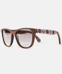 Laveta x Tarxia Eyewear                          Taracea + Arce Wood Wayfarer, Ray Bans, Sunglasses, My Love, Products, Style, Fashion, Swag, Moda