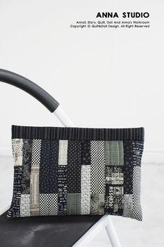 퀼트앤돌디자인 Patchwork Bags, Quilted Bag, Japanese Bag, Fabric Bags, Little Bag, Applique Designs, Handmade Bags, Bag Making, Hand Sewing