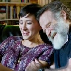 Robin Williams and Zelda Williams playing 3DS in the Nintendo Spot. #Robin #Williams #Zelda #spot zelda-spot-14