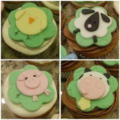 Farm animal cupcakes by CupcakePantry/CupCakeBite, via Flickr