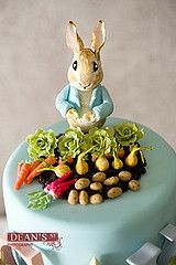 Little Cakes Peter Rabbit cake with matching cupcakes