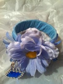 girls: blue floral w/ wearable ring