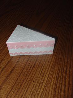 Slice of cake (show stuff from Mom & Dad's Anniv party. Cake Slice Boxes, Cake Slices, Cupcake Boxes, Box Cake, Make Your Own Card, How To Make Cake, Cupcake Clipart, Wedding Cake Boxes, Cricut Cake