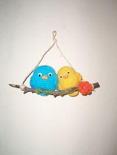 otros pajaritos crochet Christmas Ornaments, Holiday Decor, Home Decor, Little Birds, Decoration Home, Room Decor, Christmas Jewelry, Christmas Decorations, Home Interior Design