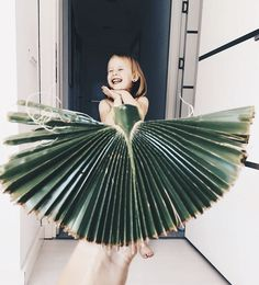 Mom and Daughter fashion dresses using Food And Flowers to become like starsMom and Daughter fashion dresses using Food And Flowers to become like stars