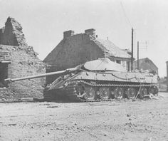 Tiger II abandoned in Le Plessis-Grimoult, France