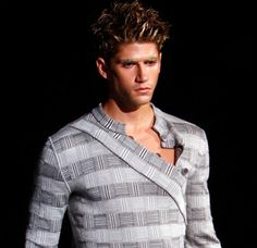 Like the lines of this shirt.  Great for an athletic or slim frame.