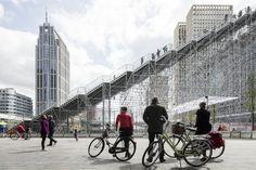 Galería de MVRDV inauguró una monumental escalera de 29 metros de alto en…
