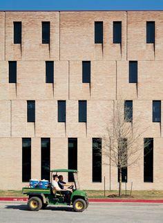 Gallery - St Edward's University New Residence and Dining Hall / Alejandro Aravena - 18