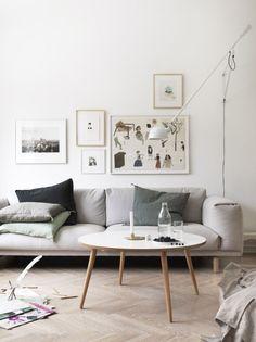 billeder lavt over sofa