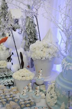 decoração frozen   Anfitriã como receber em casa, receber, decoração, festas, decoração de sala, mesas decoradas, enxoval, nosso filhos 2nd Birthday, Birthday Ideas, Frozen Party, Party Themes, Party Ideas, Snowman, Candy, Outdoor Decor, Tiffany