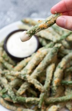 Try these low carb Crispy Green Bean Fries perfect for a game day snack! You can make these keto fries in the oven or air fryer! Crispy Green Beans, Fried Green Beans, Zucchini Pommes, Zucchini Fries, Low Carb Ranch Dressing, Keto Recipes, Cooking Recipes, Oven Recipes, Recipies