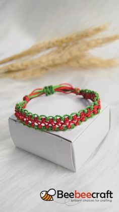 Discover our Nylon thread in various colors and sizes. Macrame Jewelry, Macrame Bracelets, Handmade Bracelets, Handmade Jewelry, Cool Friendship Bracelets, Friendship Bracelet Patterns, Bracelet Crafts, Jewelry Crafts, Bracelet Making