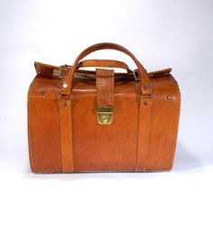Saddle leather top handle bag, small vintage cowhide leather travel bag, doctor's bag, Genuine leather bag, Unisex Hipster bag, Cognac brown by etsyYNB on Etsy