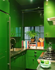 Miles Redd And Green 25 Tiny Kitchens That Prove Small Space Living