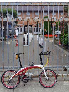 No.395 / ©ゆーあーる / DAHON Mu Elite 2014 / 開園前の富岡製糸場ヘ、ポタポタしてきました。 Folding Bicycle, Mini Bike, Road Bikes, Love Photos, Baby Dogs, Cycling, Super Clean, Photo Contest, City