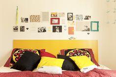 painel colorido na cabeceira + mural de coisinhas + móbile de tsuru