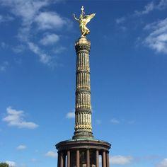 In Vorfreude auf den Start und die ersten Meter des @berlinmarathon abermals bei Kaiserwetter die Siegessäule ! #seenonmyrun