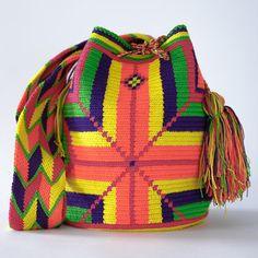 D0215_L12.5_H10_W8_SD20_Wayuu_Mochila_Handmade_Bags_2014_9_13_-056_1024x1024.jpg