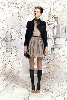 wow... this is really a golden pin! everything, from the dress (<3) to the coat, the shoes, makeup and the incredible BG. epic!  red valentino fall 2012