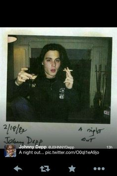 Johnny Depp 26 Fascinating Polaroids Of Celebrities Young Johnny Depp, Here's Johnny, Johnny Depp Joven, Arte Indie, Comme Des Garcons, Fashion Night, Pretty Boys, Pretty People, Rock And Roll