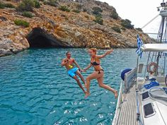 7 reasons why you should go sailing on Naxos. How many reasons do you need?