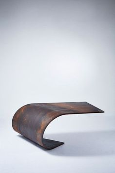 Perfectly Balanced Table Made of Steel | Paul Cocksedge repinned by #smgtreppen